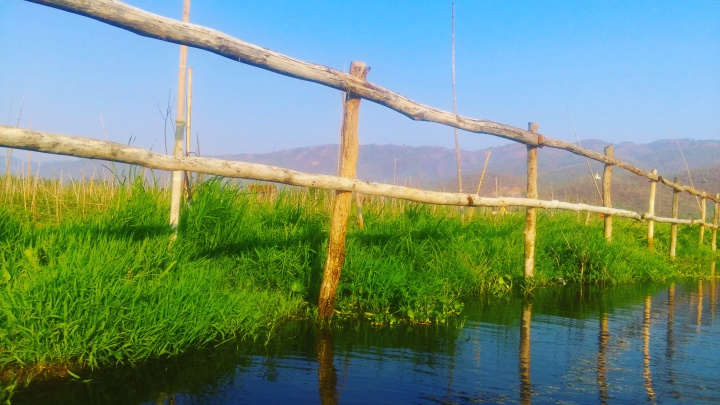 inle lake-blue sky.mokita dreams