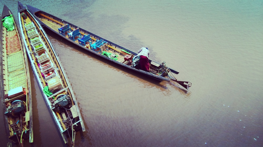 inle lake - boats - mokita dreams