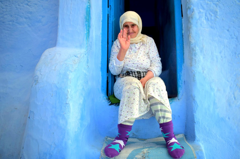 blue city in Morocco people photography by ieva kambarovaite.JPG